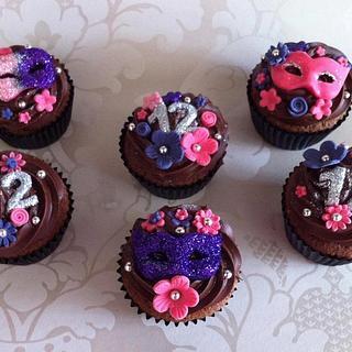 Mask cupcakes