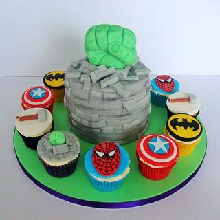 Hulk and superheroes cake