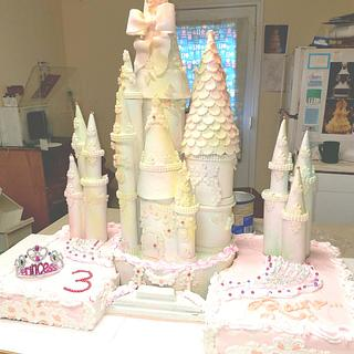 Castle cake  - Cake by Wendy Lynne Begy
