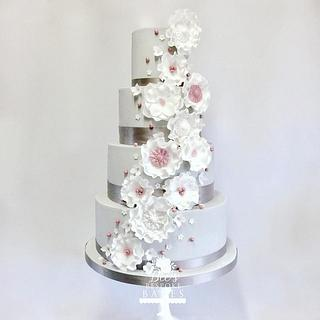 Grey, white and pink wedding cake