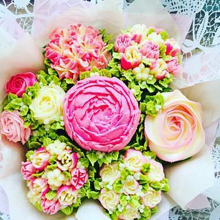 Buttercream flower bouquet