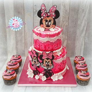 Handpainted Minnie Mouse cake