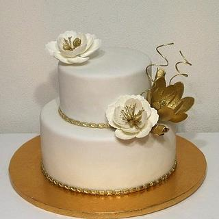 Wedding cake white and gold