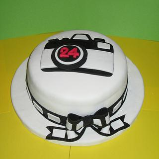 Camera Cake - Cake by sweets4passion