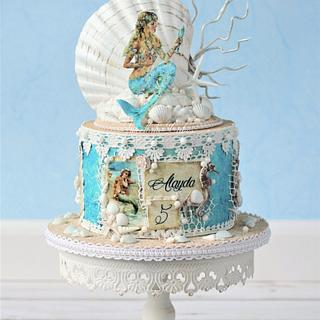 Vintage mermaid cake