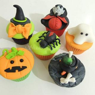 Halloween Samples - Cake by Shereen