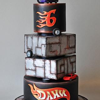 Hot Wheels - Cake by ArchiCAKEture