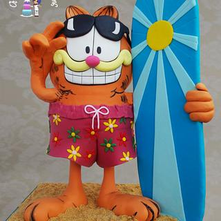 """Garfield Gravity Cake"" Height 50 cm"