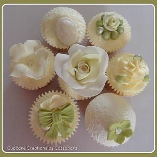 Vintage inspired cupcake collections - Cake by Cupcakecreations