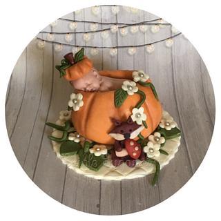 Pumpkin fall baby shower - Cake by Edible Sugar Art