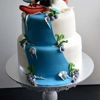 Kayaking couple wedding cake. - Cake by kakerlagethjemme