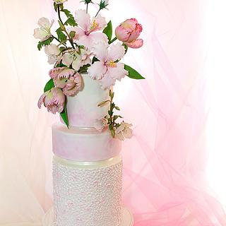 Romantic wedding cake. Collaboration Pasteles de Ensueño magazine