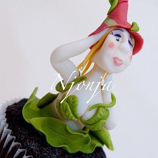 Leaves Elf cupcake topper 2