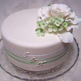 White rose wedding cake - Cake by Laelia