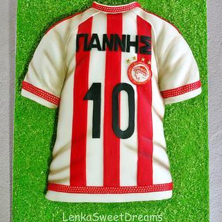 T shirt football player cake.