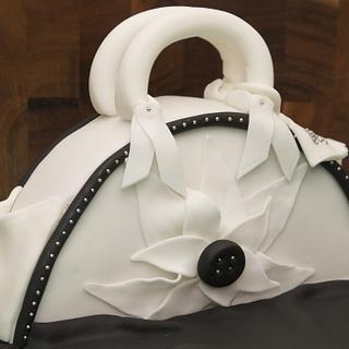 Handbag auction cake - Cake by Kelly