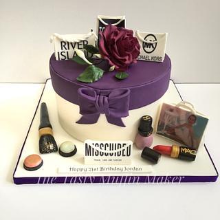 Make up shopping cake