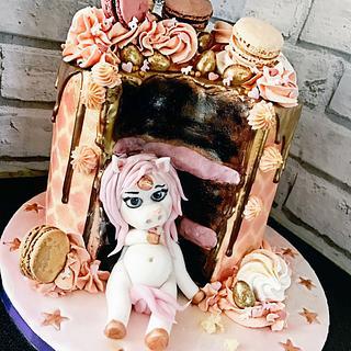 Fat unicorn drip cake