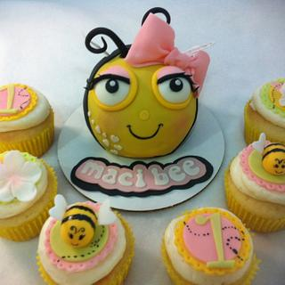 Bumble Bee mini cake and cupcakes