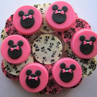 Minnie Mouse & Mickey Mouse Chocolate Covered Oreo Cookies