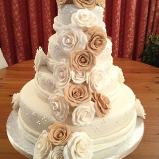 4 tier wedding cake!