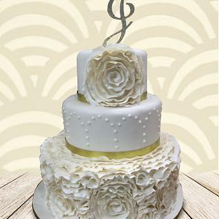 Ribbon Roses - Cake by MsTreatz