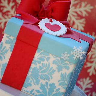 Christmas Gift Box - Cake by Lesley Wright