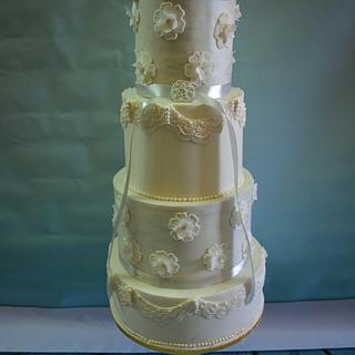Wedding cake  - Cake by Sara Mohamed