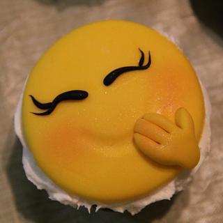 Happy Emoticons Cupcakes