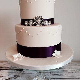 Simple Brooch Wedding Cake