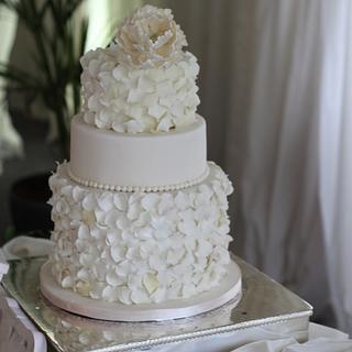 Ivory and Pearl Sugar Petals