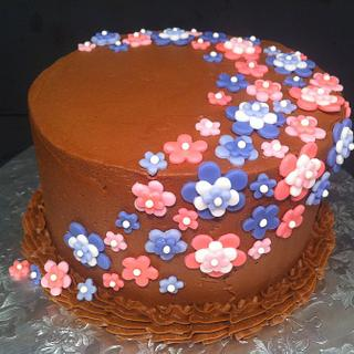 Chocolate and Flowers Cake and cupcakes