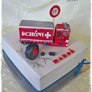 Red truck & tire - Cake by Tortolandia