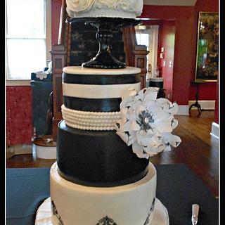 Thompson Wedding Cake - Cake by Bethann Dubey