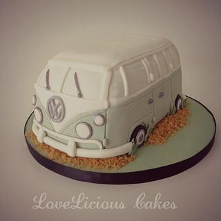 Volkswagen Van - Cake by loveliciouscakes