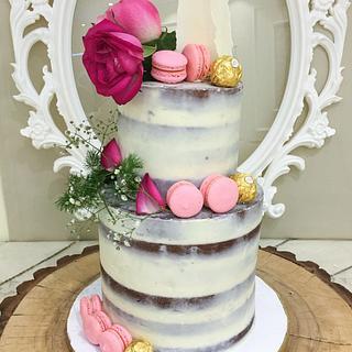 Semi naked wedding cake  - Cake by BettyCakesEbthal