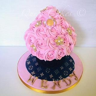 Pretty Pink Rossette/ Giant Cupcake - Cake by Que's Cakes