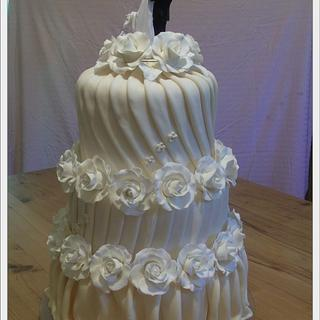 Sarlot wedding cake
