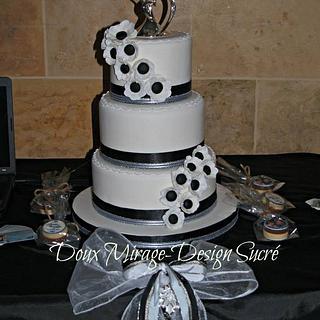 Black and White Anemone wedding cake