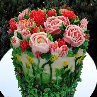 Pink cream flower cake
