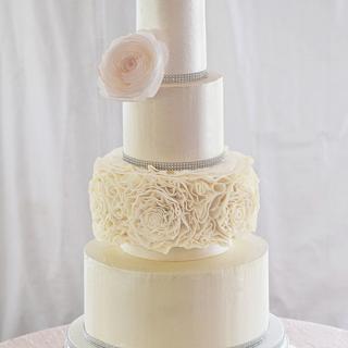 Champagne and Ivory Ruffled Rose Wedding