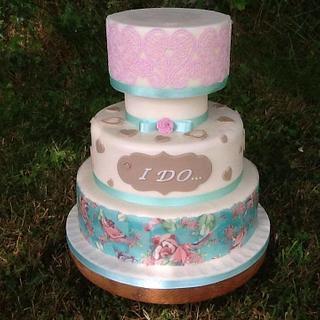 Decoupage and Edible lace wedding cake