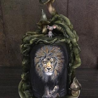 Handpainted Lion - Cake by  Sue Deeble