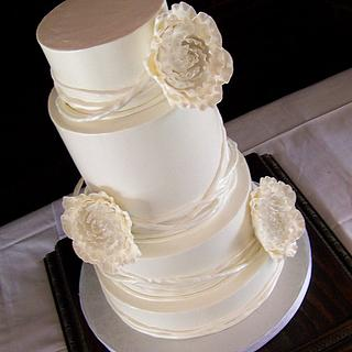 Modern Wedding - Cake by TrulyCustom