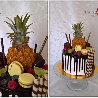 Drip cake with baby ananas