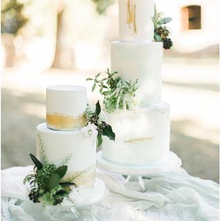 Greenery & Black Wedding Cakes