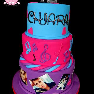 Justin Bieber cake with musical notes