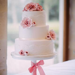 Vintage dusky pink roses & embossed lace