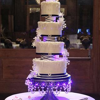 Snowflake wedding - Cake by Amelia Rose Cake Studio