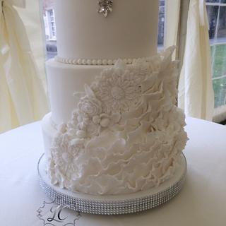 Timeless elegance  - Cake by lorraine mcgarry